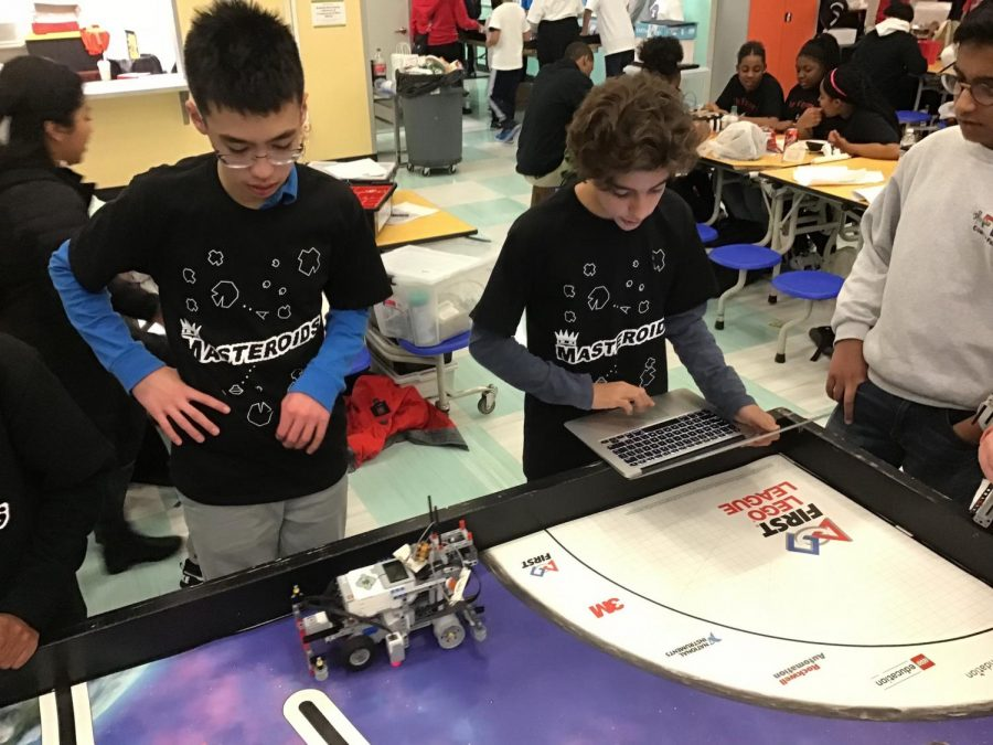 Seventh graders Grant Koh (left) and Noah Pendo (right) were among those to advance. Photo courtesy of Francis W. Parker School.