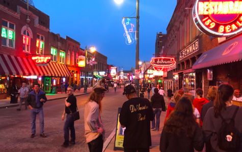 Beale Street in Memphis, Tennessee. Photo by Wilson Cedillo