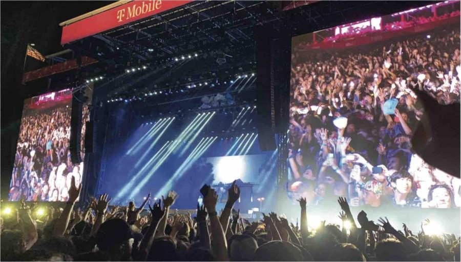 Crowds gather at T-Mobile stage during Lollapalooza. Photo courtesy of Sofia Brown.